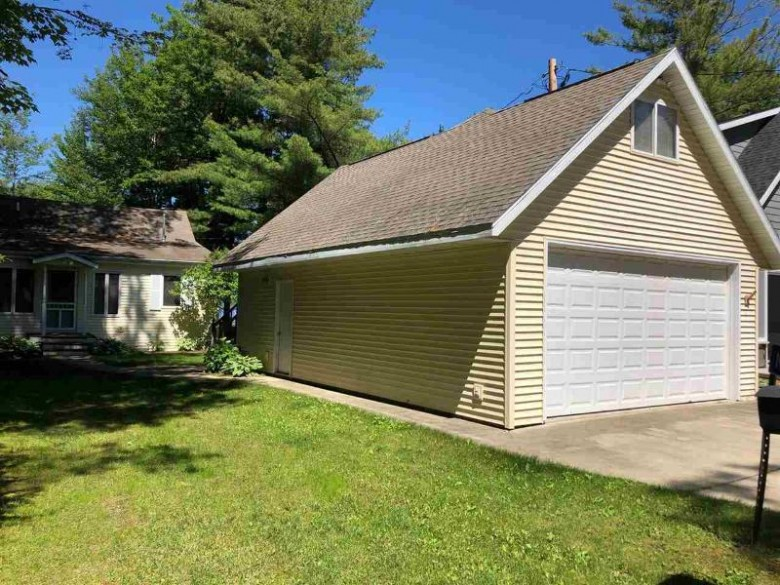 N6547 Sunset Lane, Shawano, WI by Executive Realty $289,900