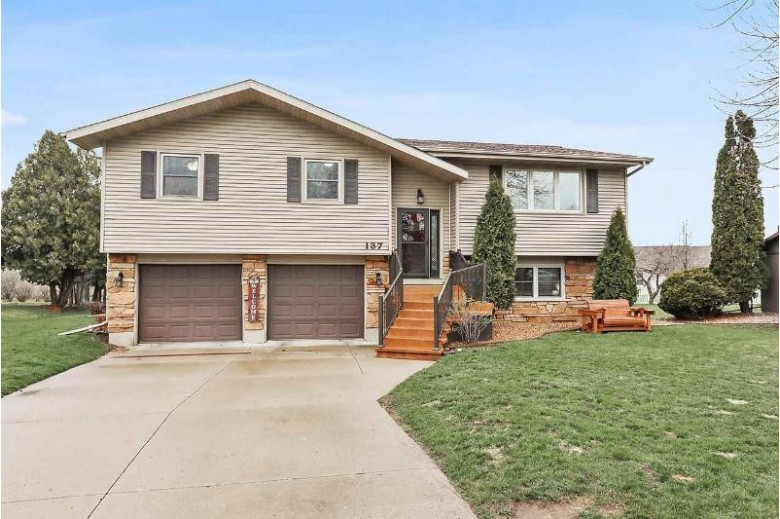 137 Hillock Court, Appleton, WI by Coldwell Banker Real Estate Group $209,900