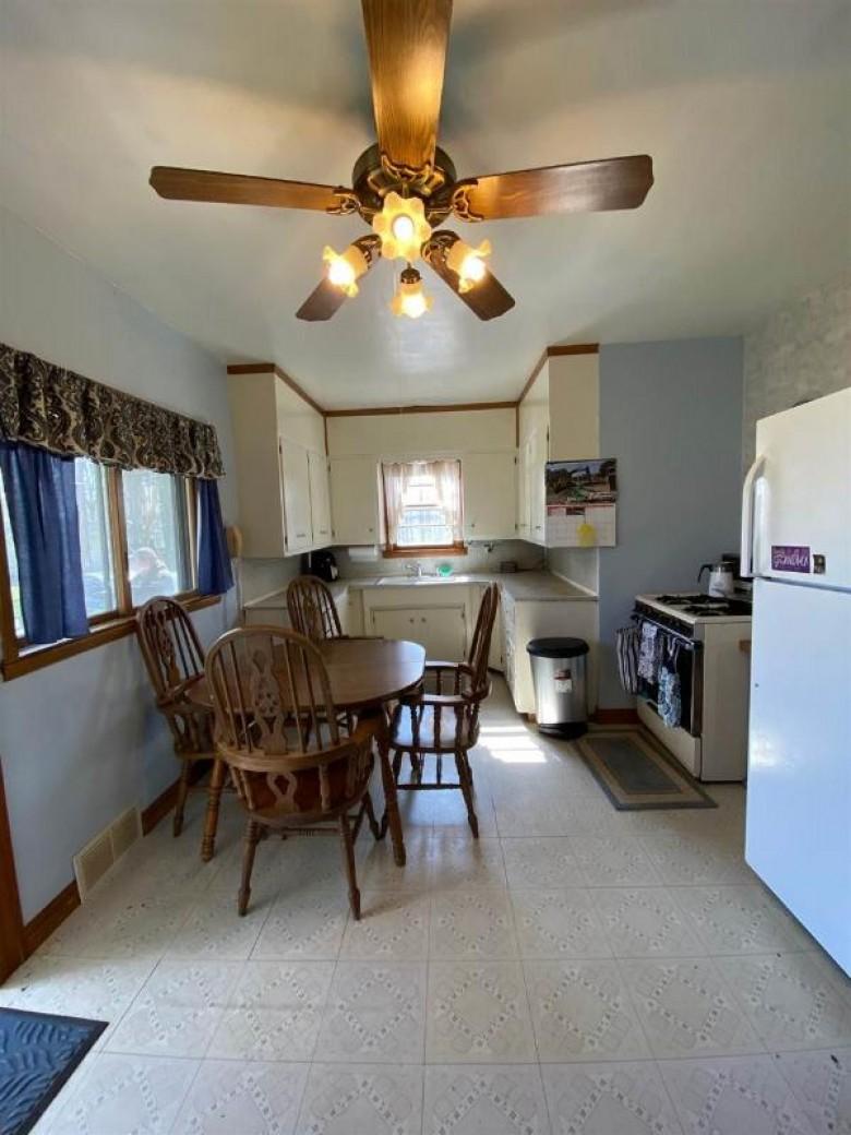 9222 N Brown County Line Road, Pulaski, WI by Country Pride Realty, Inc. $129,900