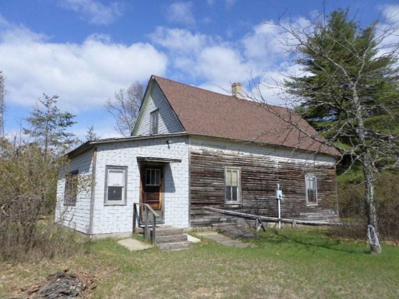 W6713 18th St, Necedah, WI by Vip Realty $206,500