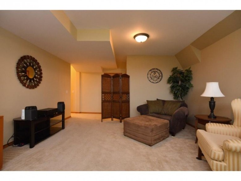 411 Cross Country Rd Verona, WI 53593 by Madcityhomes.com $299,900