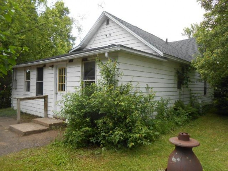 941 Flambeau Ave, Phillips, WI by Birchland Realty, Inc. - Phillips $32,900