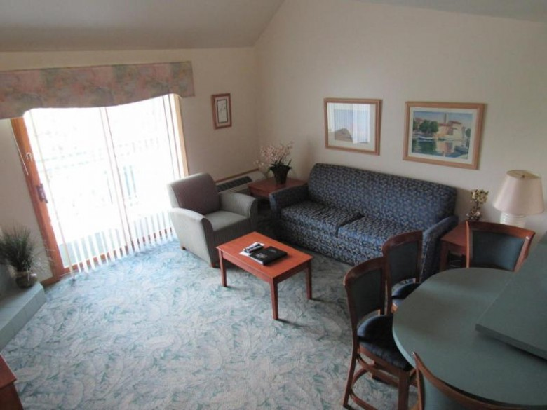 111 Center St 400, Lake Geneva, WI by Keefe Real Estate, Inc. $159,000