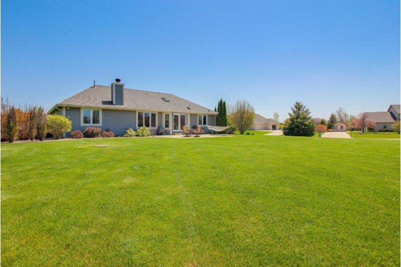W275N7285 Red Cedar Ct Hartland, WI 53029-8213 by Coldwell Banker Homesale Realty - New Berlin $409,900
