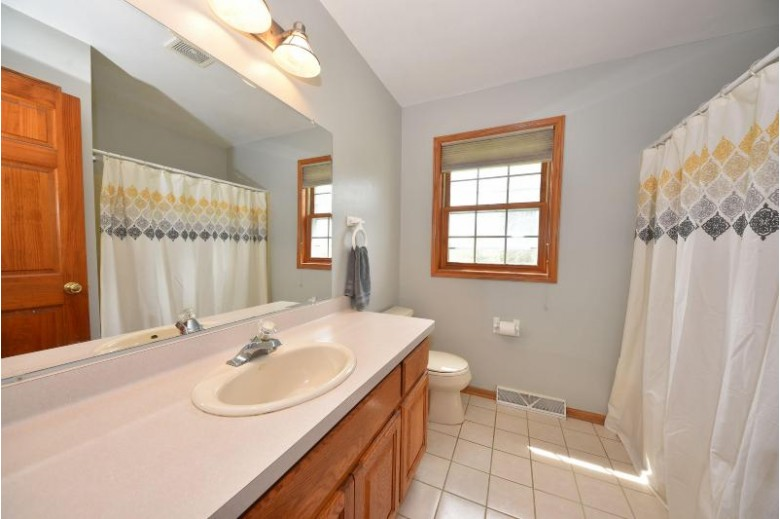 W271N2647 Orchard Ln Pewaukee, WI 53072 by Re/Max Realty 100 $400,000