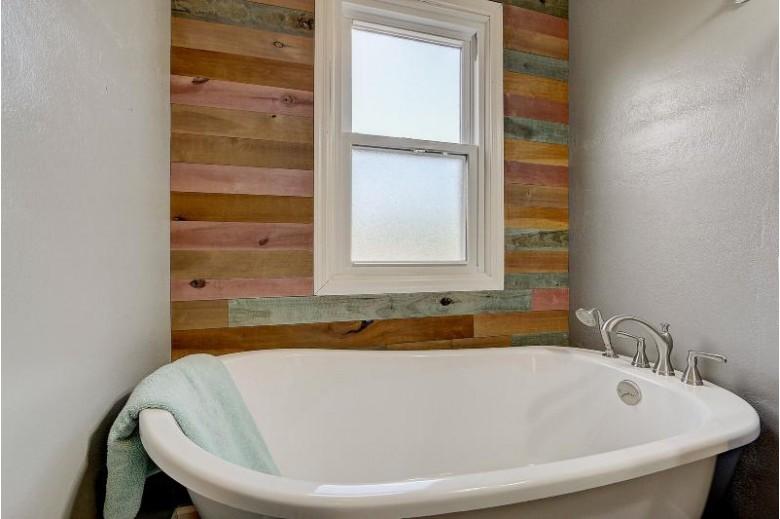 321 N Walnut St, Reedsburg, WI by Homewire Realty $214,900