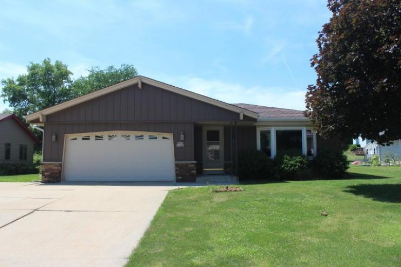 W234N6481 Laurel Ln Sussex, WI 53089 by Realty Executives - Integrity $272,000