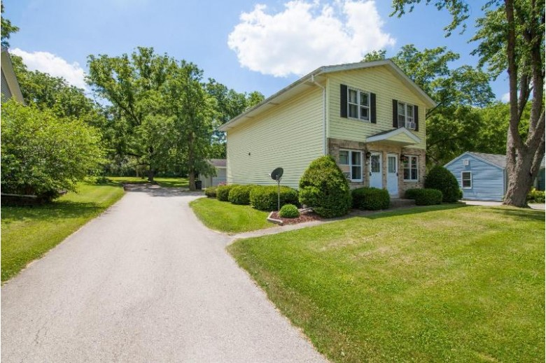857 Armour Rd 859 Oconomowoc, WI 53066 by Coldwell Banker Elite $290,000