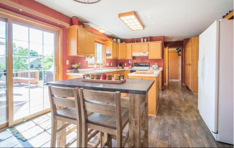 W162N10492 Auburn Ln, Germantown, WI by Exsell Real Estate Experts Llc $365,000