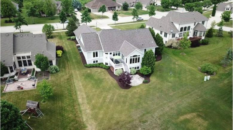 9783 W Prairie Grass Way Franklin, WI 53132 by First Weber Real Estate $599,000