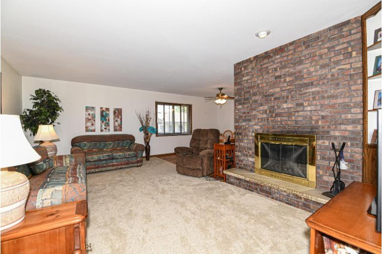 8211 S 59th St Franklin, WI 53132 by Foundations Realty Group Llc $259,900