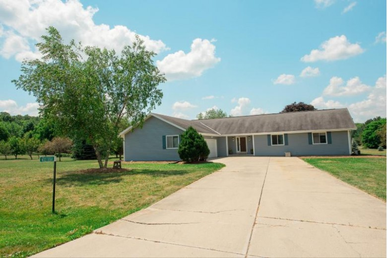 W323S8341 Sara St Mukwonago, WI 53149-8649 by Re/Max Realty Center $364,900