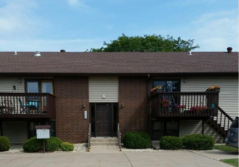 730 10th Ave N A2, Onalaska, WI by Berkshire Hathaway Homeservices North Properties $137,000