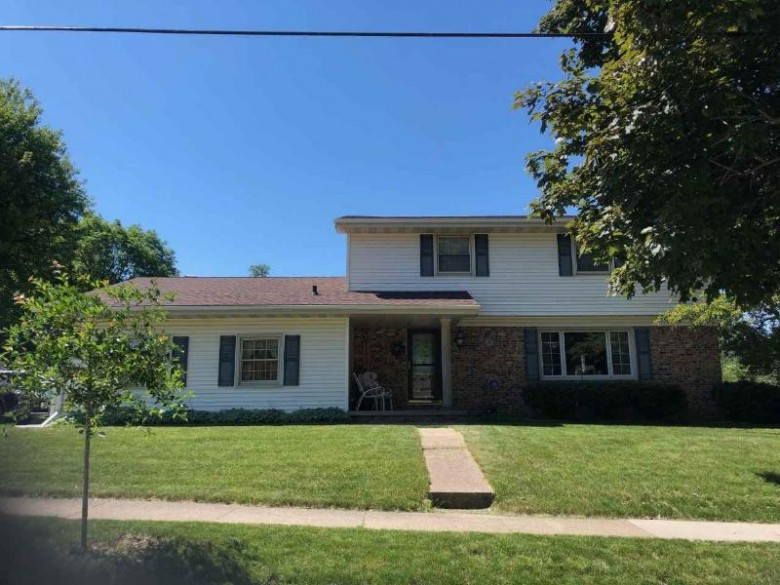 1601 W Glendale Avenue, Appleton, WI by First Weber Real Estate $225,000
