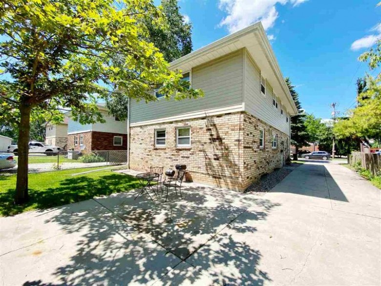 550 Lee Court, Fond Du Lac, WI by RE/MAX Heritage $139,900