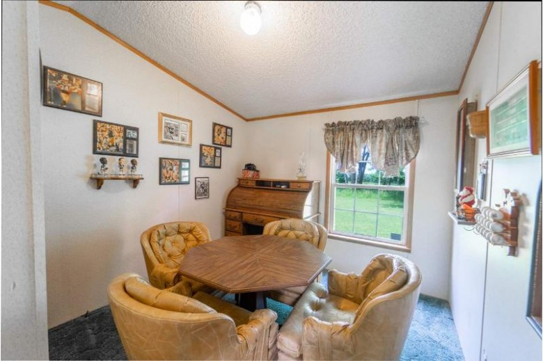 N4423 Larry Road, New London, WI by Rieckmann Real Estate Group, Inc $80,000
