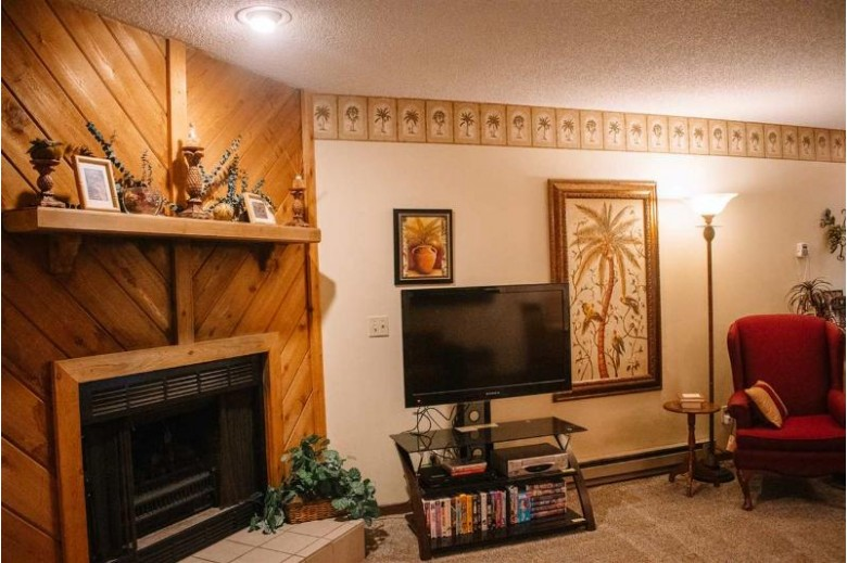 1093 Canyon Rd 611, Wisconsin Dells, WI by Castle Rock Realty Llc $79,900
