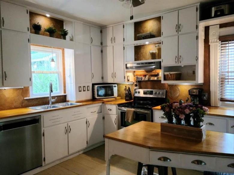 216 W Randolph St Stoughton, WI 53589 by Stark Company, Realtors $239,900
