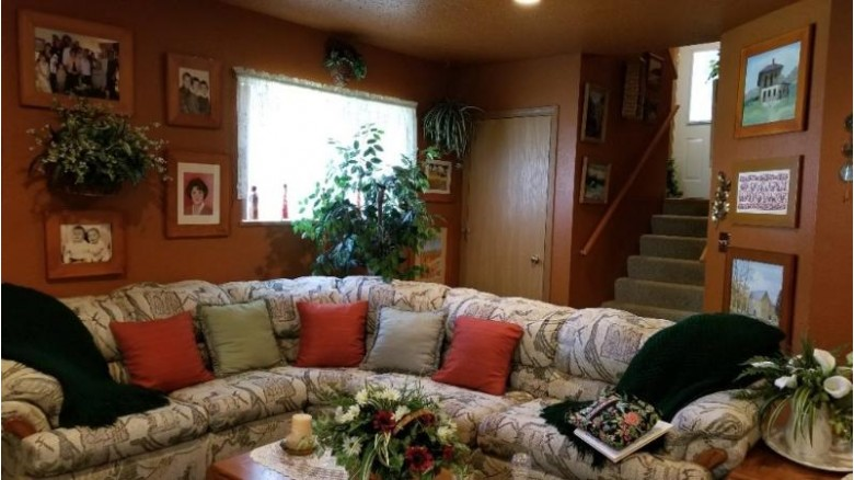 1910 Brook View Court, Wausau, WI by Coldwell Banker Action $148,000