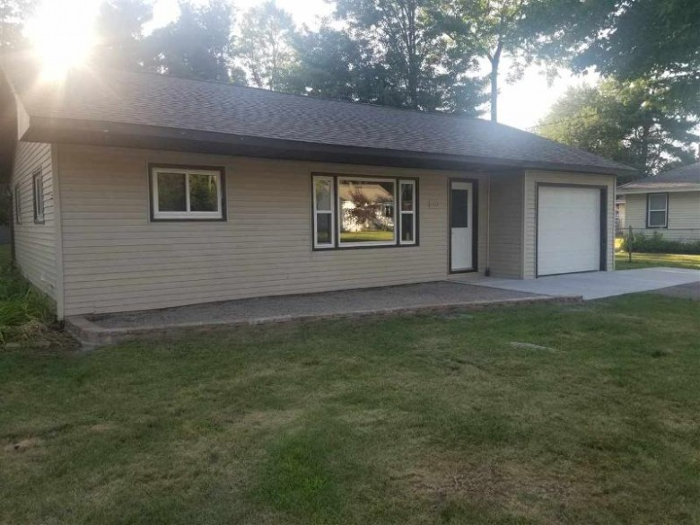 1421 32nd Street North, Wisconsin Rapids, WI by Zurfluh Realty Inc. $99,942
