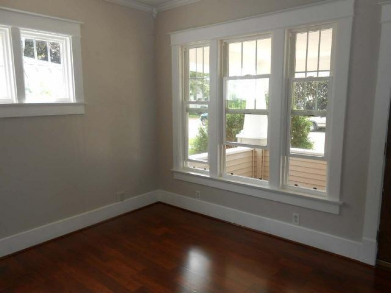 233 Lincoln St, Antigo, WI by Absolute Realtors Inc. $98,900