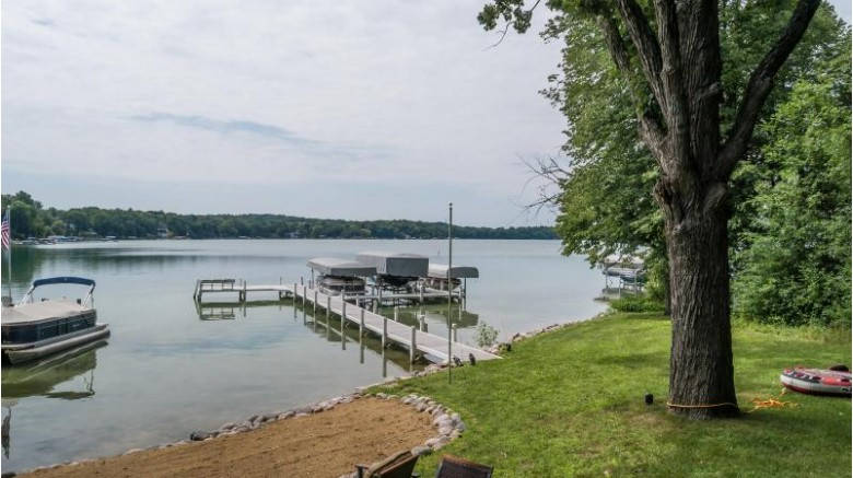 N62W30363 Beaumont Ln, Hartland, WI by Lake Country Listings $2,390,000