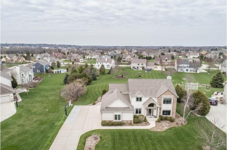 1004 Woods Dr Hartland, WI 53029 by Shorewest Realtors, Inc. $524,900