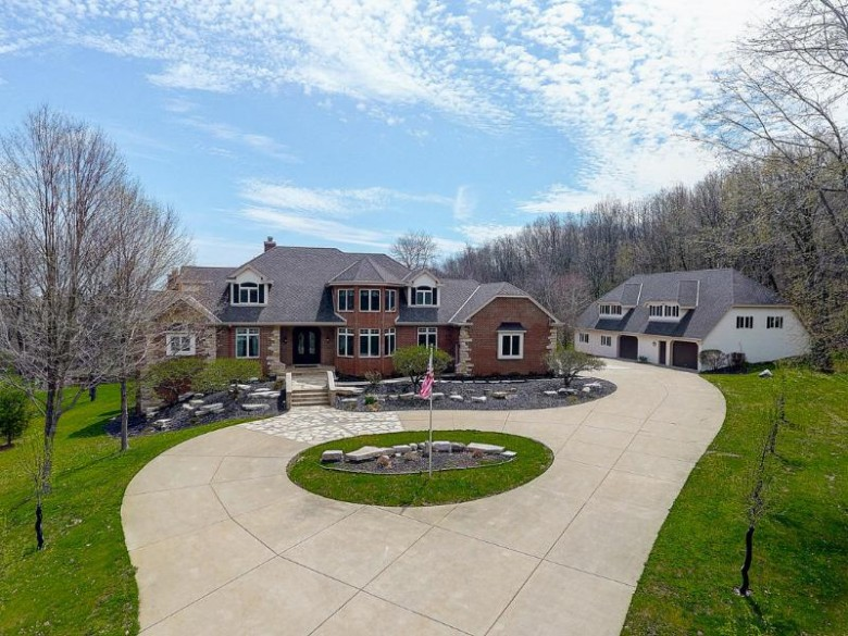 W283N3820 Yorkshire Trce Pewaukee, WI 53072-3313 by Coldwell Banker Elite $1,095,000