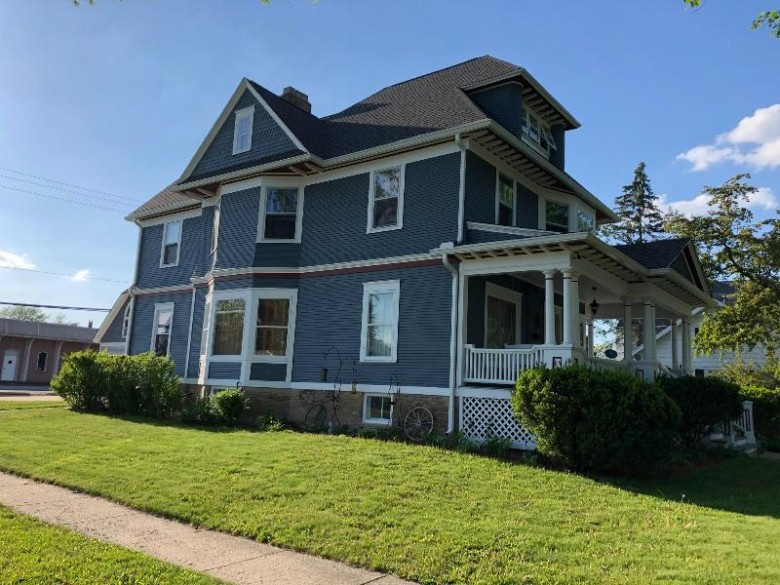 323 S Whitewater Ave, Jefferson, WI by Century 21 Integrity Group - Jefferson $309,000
