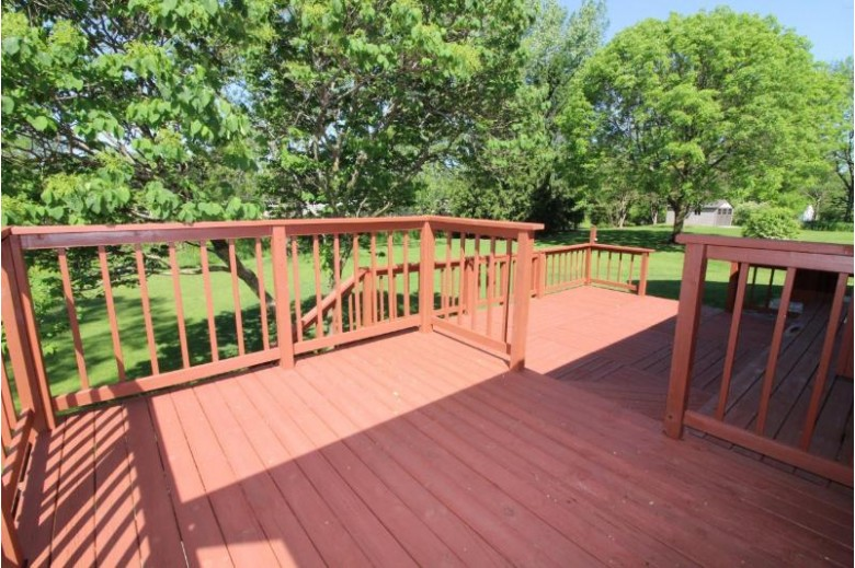 540 Mary Knoll Ln Watertown, WI 53098-1219 by Shorewest Realtors, Inc. $269,900