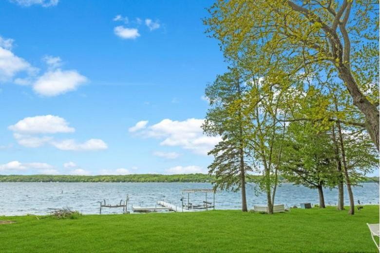 W283N2329 Beach Park Cir Pewaukee, WI 53072 by Lake Country Listings $1,625,000