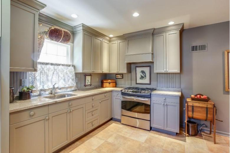 7331 3rd Ave, Kenosha, WI by Re/Max Newport Elite $259,900