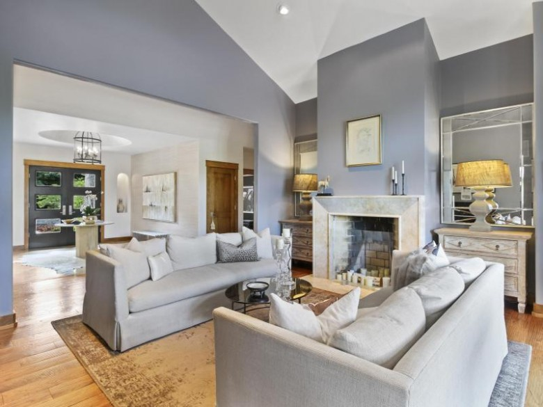 6950 W Ridgeview Ct, Mequon, WI by First Weber Real Estate $1,575,000
