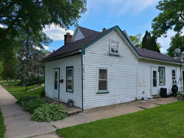 428 S 6th Ave West Bend, WI 53095-3910 by First Weber Real Estate $65,000