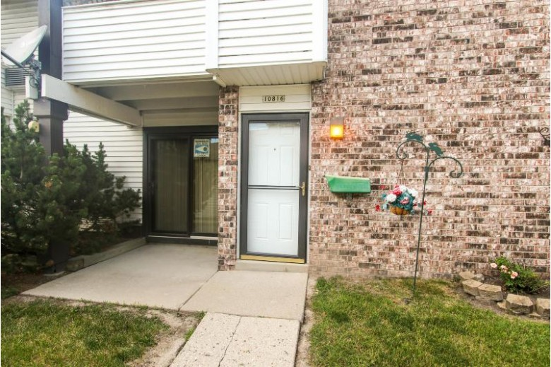 10816 W Donna Dr, Milwaukee, WI by Coldwell Banker Homesale Realty - Wauwatosa $64,900