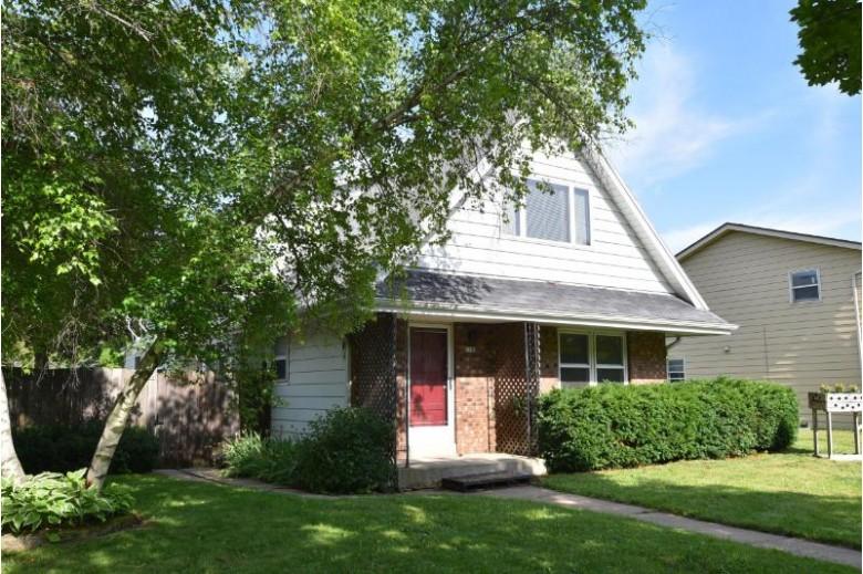 1502 Oakdale Dr 1504, Waukesha, WI by Shorewest Realtors, Inc. $269,900