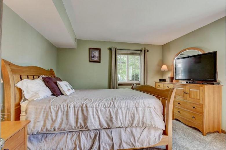 N110W16973 Ashbury Cir Germantown, WI 53022-5571 by First Weber Real Estate $144,900