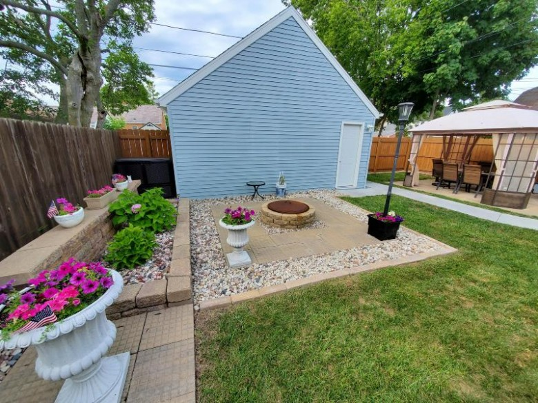 1330 Marion Ave South Milwaukee, WI 53172-3008 by Re/Max Realty 100 $219,900
