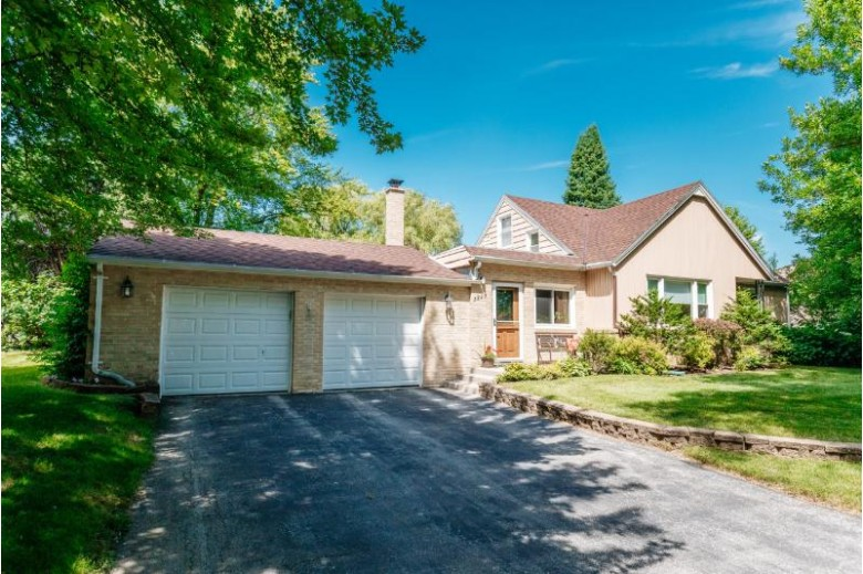 3293 N 105th St, Wauwatosa, WI by Shorewest Realtors, Inc. $279,900