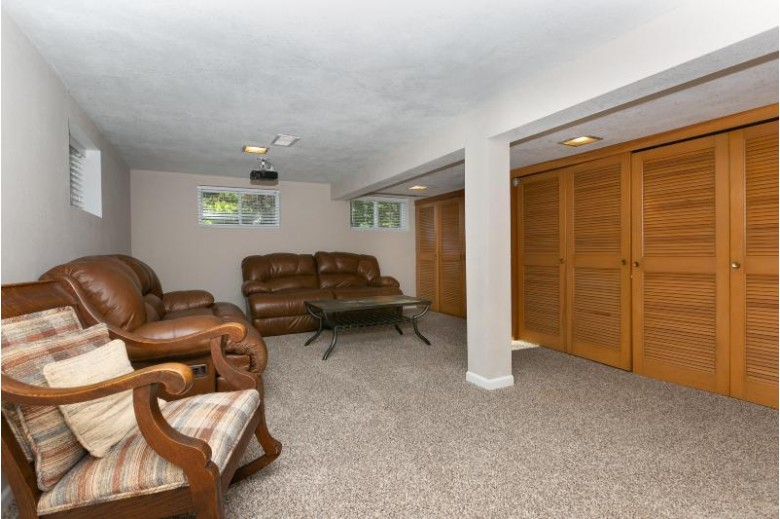 217 White Sand Ln Wind Point, WI 53402 by Berkshire Hathaway Homeservices Metro Realty-Racin $299,900