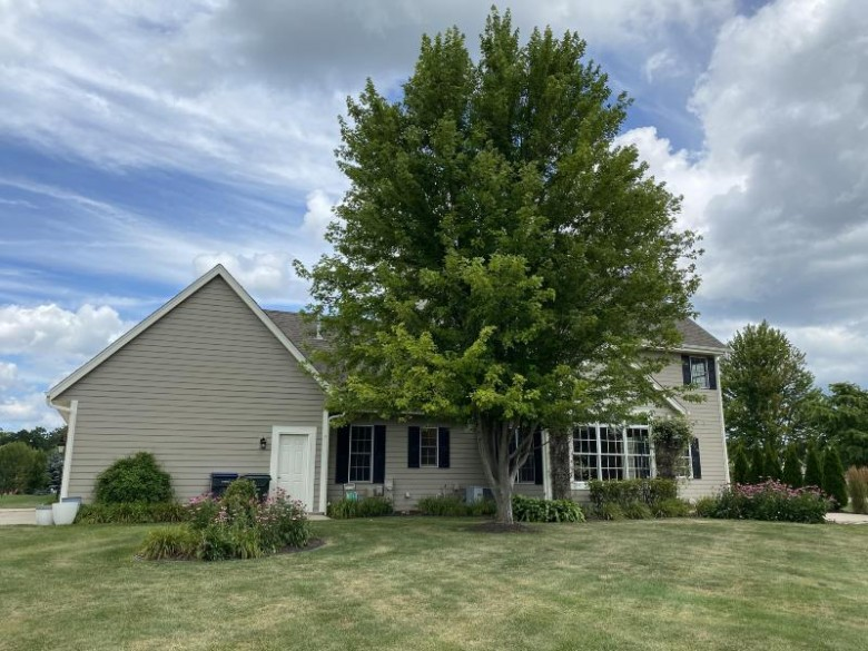 N74W28721 Zimmers Xing Hartland, WI 53029 by Lake Country Flat Fee $539,000