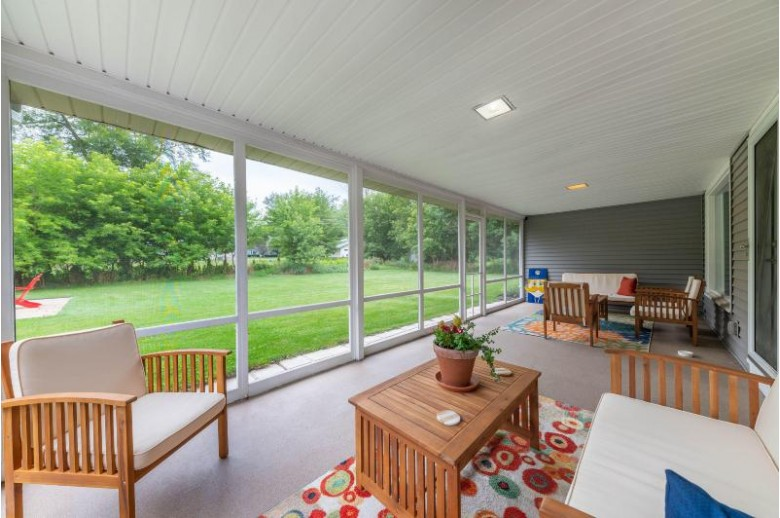 4525 N 147th St, Brookfield, WI by Re/Max Realty 100 $374,900