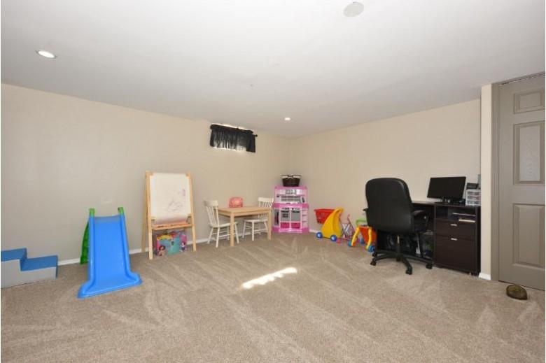 1508 Drexel Blvd South Milwaukee, WI 53172-3040 by Shorewest Realtors, Inc. $214,900