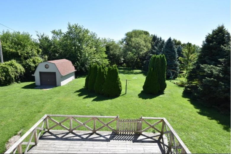 4830 S Sunny Slope Rd New Berlin, WI 53151-7414 by Shorewest Realtors, Inc. $319,900