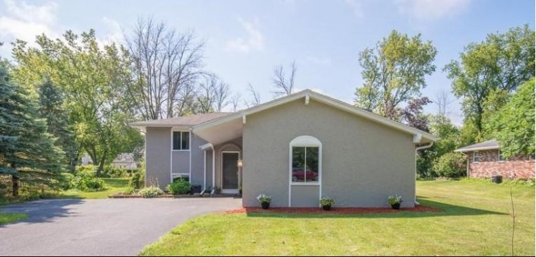 N61W23907 Sumac Ln Sussex, WI 53089 by Century 21 Affiliated-Wauwatosa $289,000