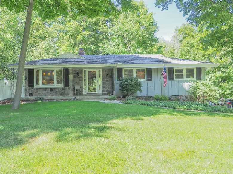 N77W22300 Wooded Hills Dr, Lisbon, WI by Redefined Realty Advisors Llc $299,000