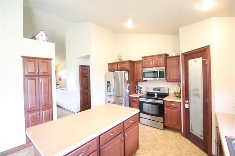 1540 Remington Road Neenah, WI 54956 by Score Realty Group, LLC $319,900