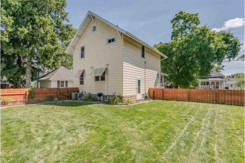 121 S Outagamie Street Appleton, WI 54914-4921 by Coldwell Banker Real Estate Group $144,900