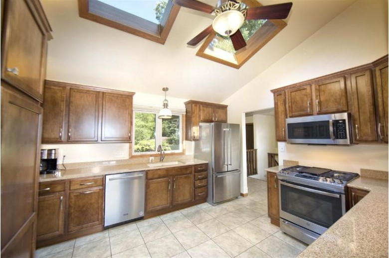 W4532 Mary Hill Park Drive, Fond Du Lac, WI by Roberts Homes and Real Estate $289,900