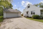 3906 Evergreen Court Appleton, WI 54913-8903 by Century 21 Ace Realty $164,900